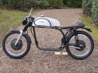 Norton Manx rolling chassis - 7.jpg